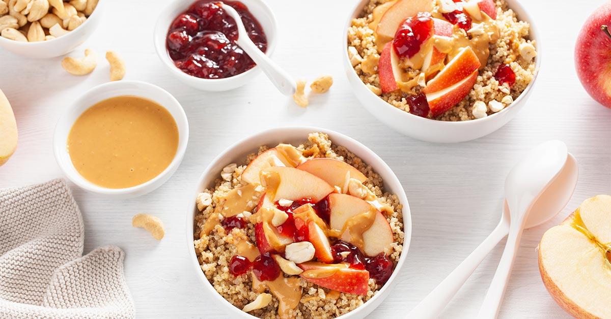 Rețetă desert quinoa - Prăjitură de quinoa cu afine, fără făină și zahăr - NaturaFresh - Desert quinoa